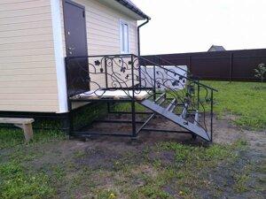 Входное крыльцо – кованое узорное приспособление для входного пространства