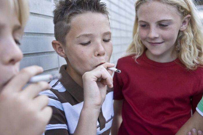 smoking among teenagers essay